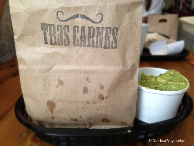 Guacamole and chips at Tres Carnes NYC